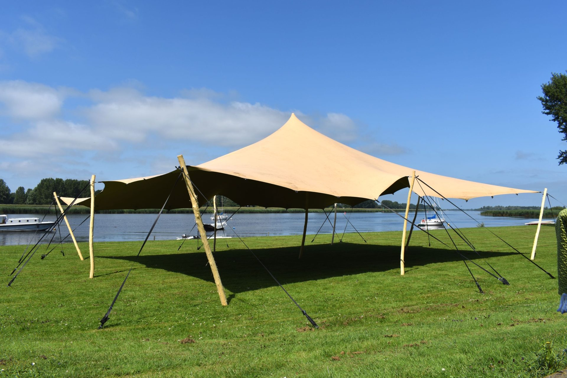 Stretchtent 15 x 20 meter Premiumstretch| lus verbinding